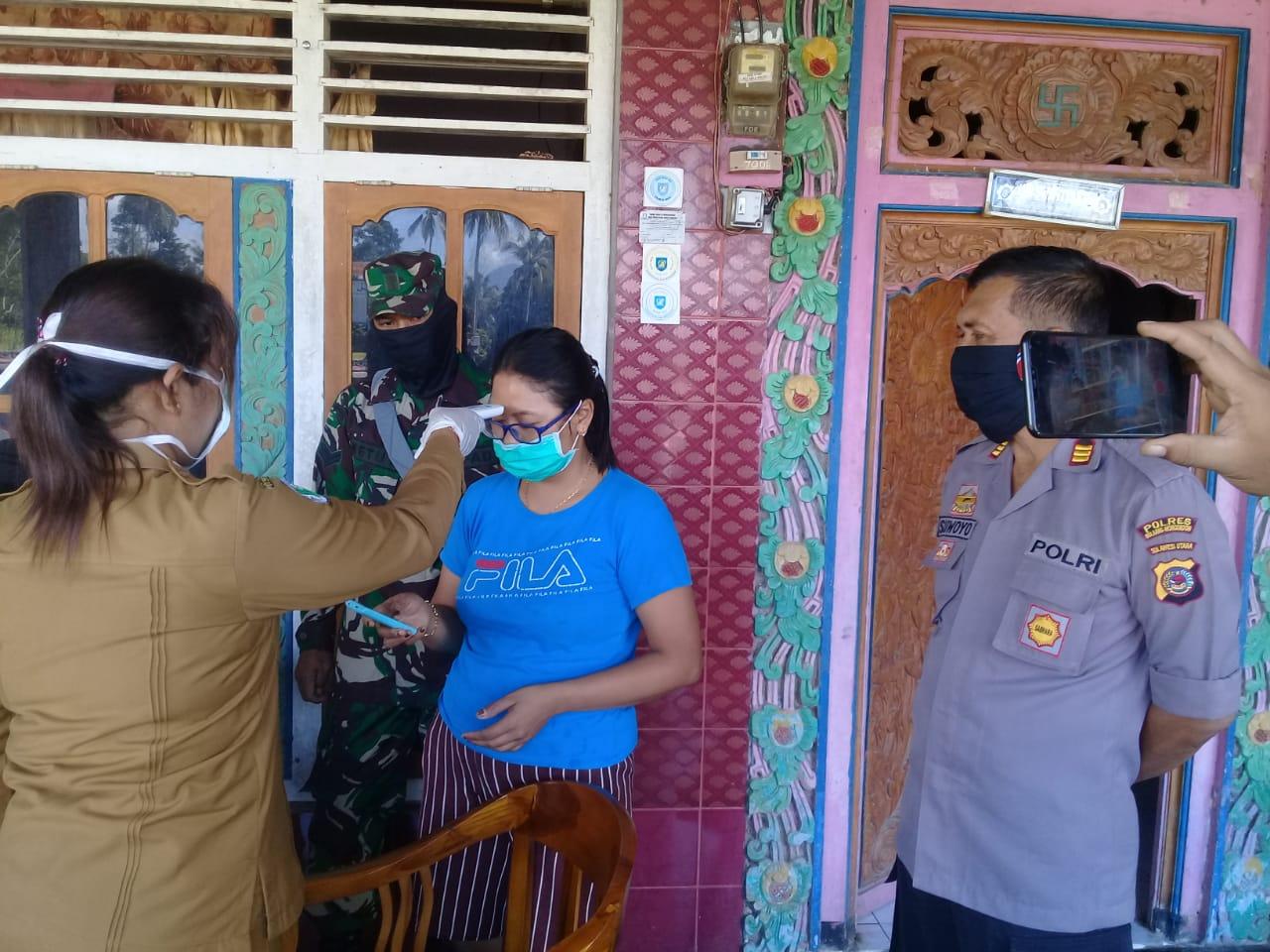 Pemeriksaan kesehatan warga